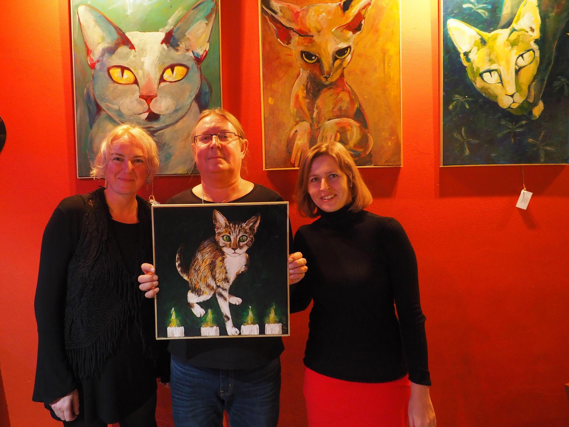 Obraz Trojnožky od Romany Štrynclové spustil vKroměříži lavinu kočičí solidarity